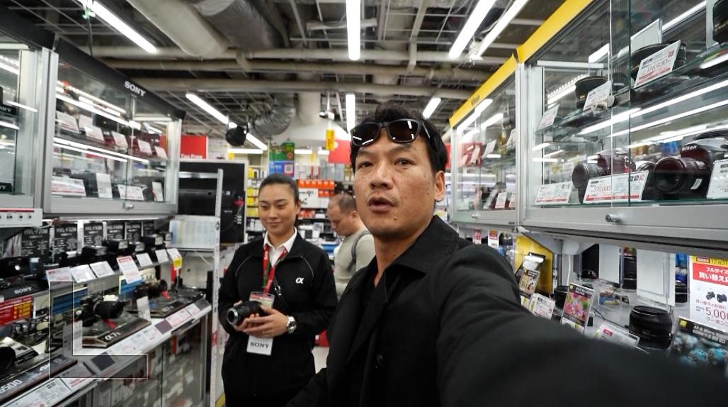 15万円の広角レンズ買ってみました。sony a7iiiに付けてみます^^