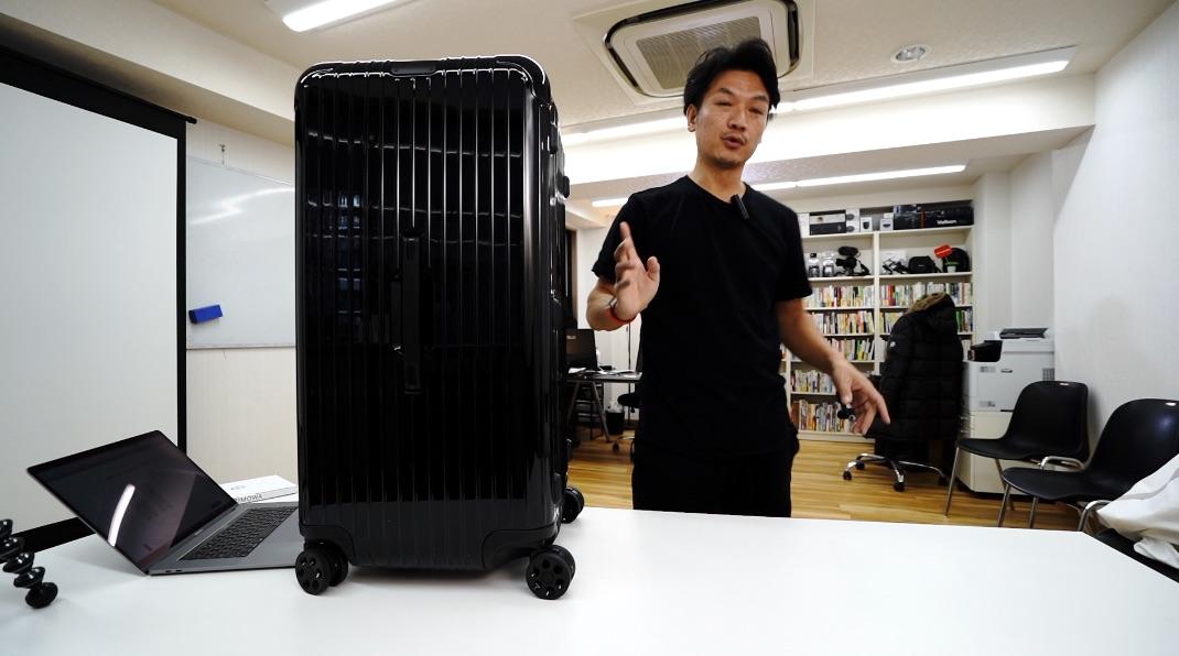 リモワ(RIMOWA)のスーツケース / Trunk Plus(トランクプラス)101L essential 大容量、長期滞在に最適!
