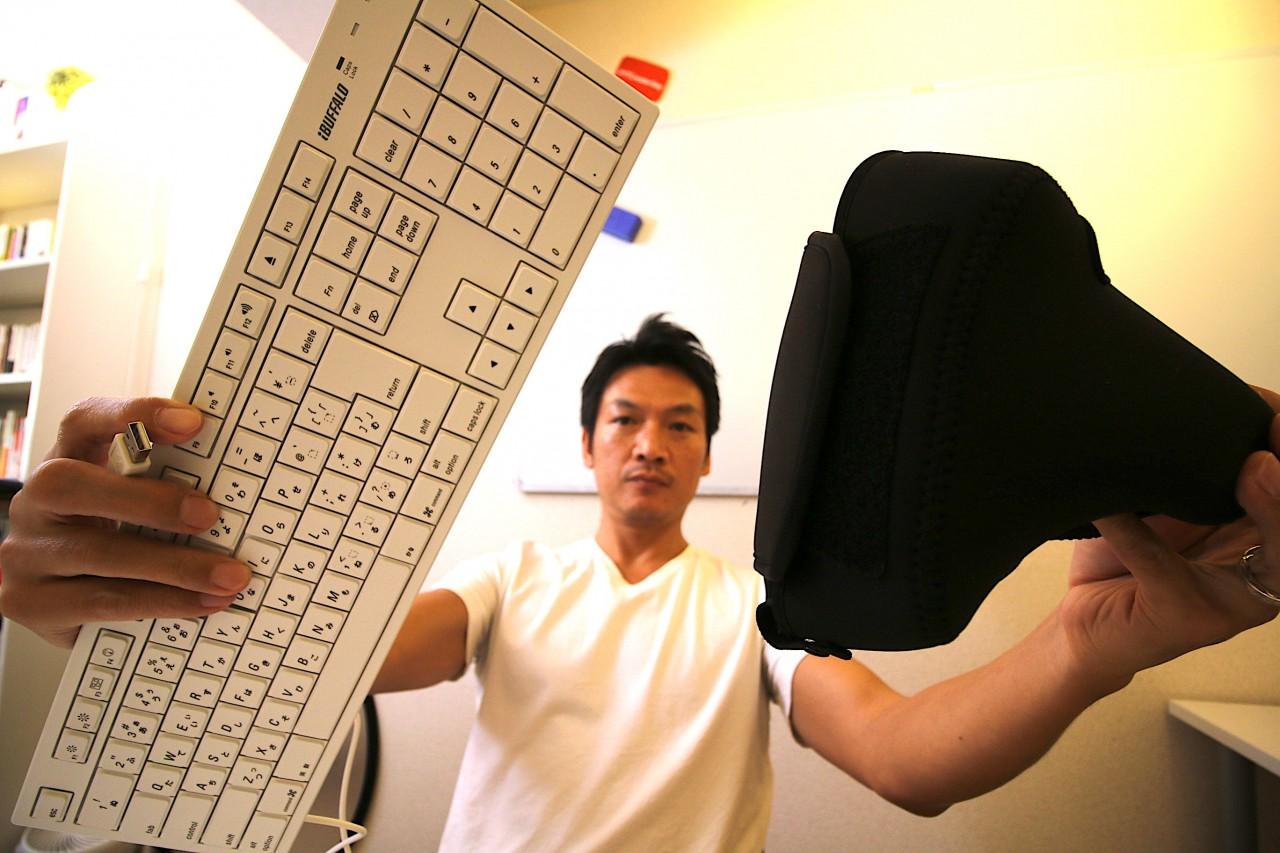 欲しくなかったのに買った、Mac用のキーボード&ハクバのカメラケース