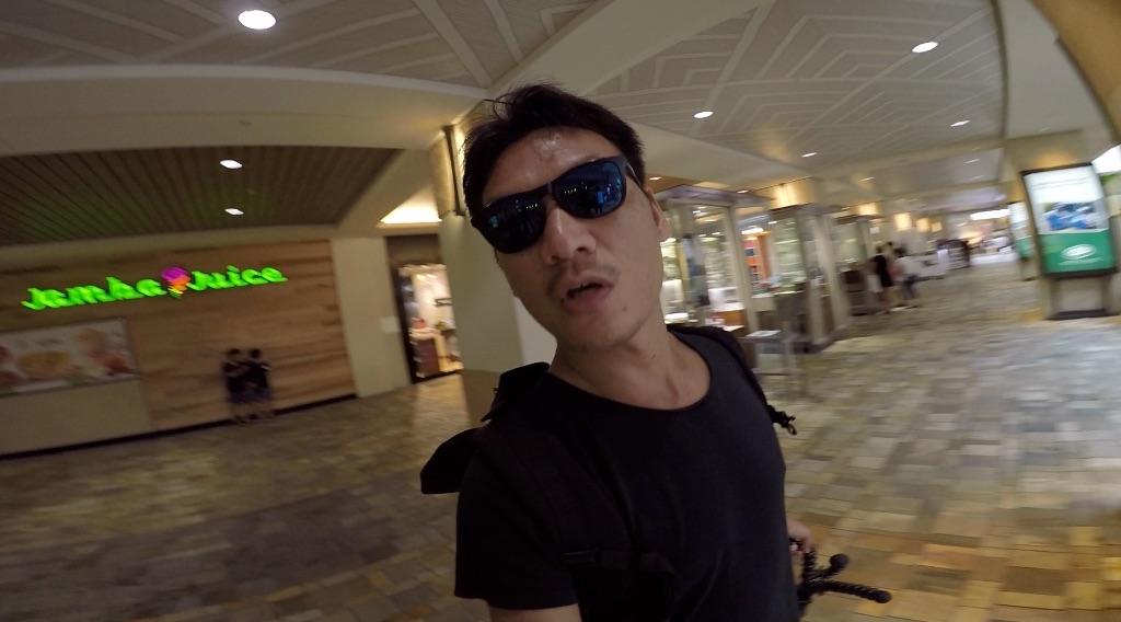 ハワイ#2 ホテルプール→ アラモアナショッピングセンター散策
