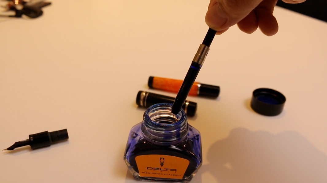 デルタ(delta)万年筆のご紹介! インクの入れ方や書き方と使い方