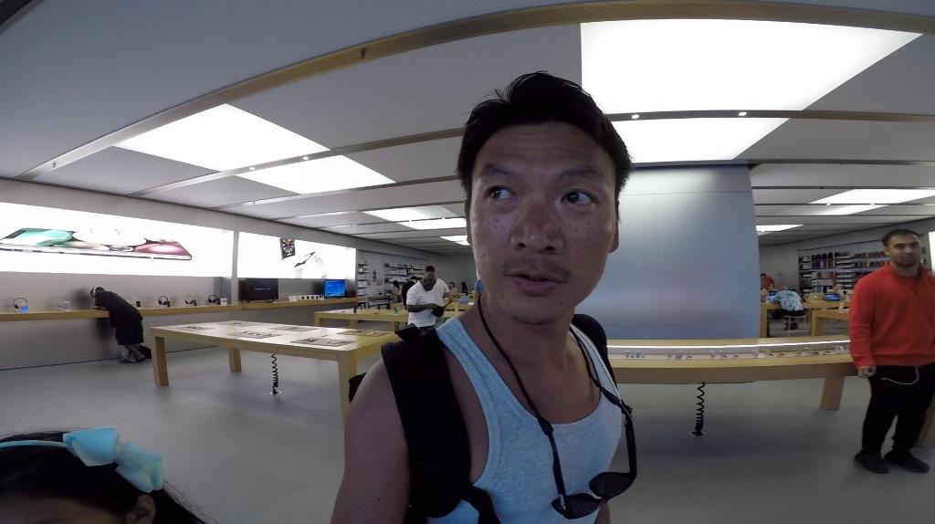 <ハワイ#9> iPhone X、完全フリーズ。海外でも新品交換出来るんです
