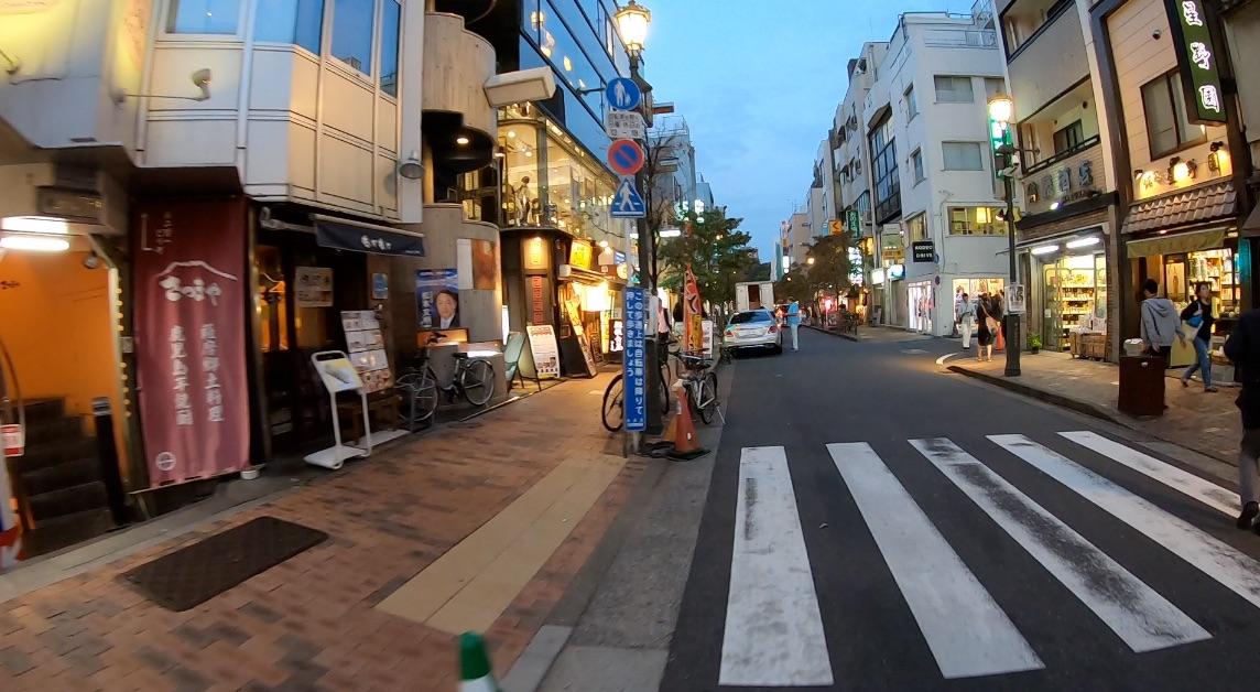 Gopro HERO7で夕方の広尾の街で明るさテスト