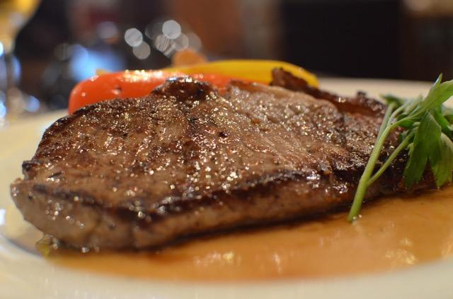 フラミンゴカフェ・グラセッリア青山でステーキを食べてきました!