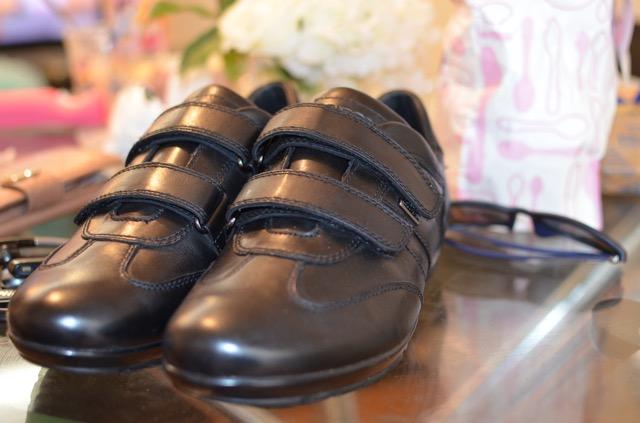 新しい靴を買いました。