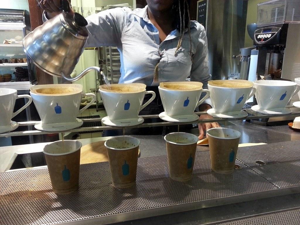 ブルーボトルコーヒーがついに日本上陸!スターバックスよりも人気?